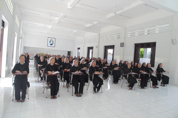 MTG Tân An: Tĩnh tâm tháng 10-Thánh lễ tạ ơn mừng 25 năm, 40 năm linh mục của quý Cha