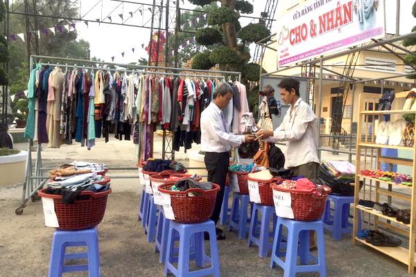 Gx Ba Giồng: Cùng nhau làm việc bác ái từ thiện