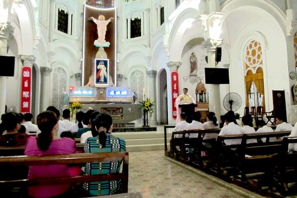Gx Cái Bè: Niềm vui dâng trào 9 gia đình rửa tội và hợp thức hóa hôn nhân - Ảnh minh hoạ 3